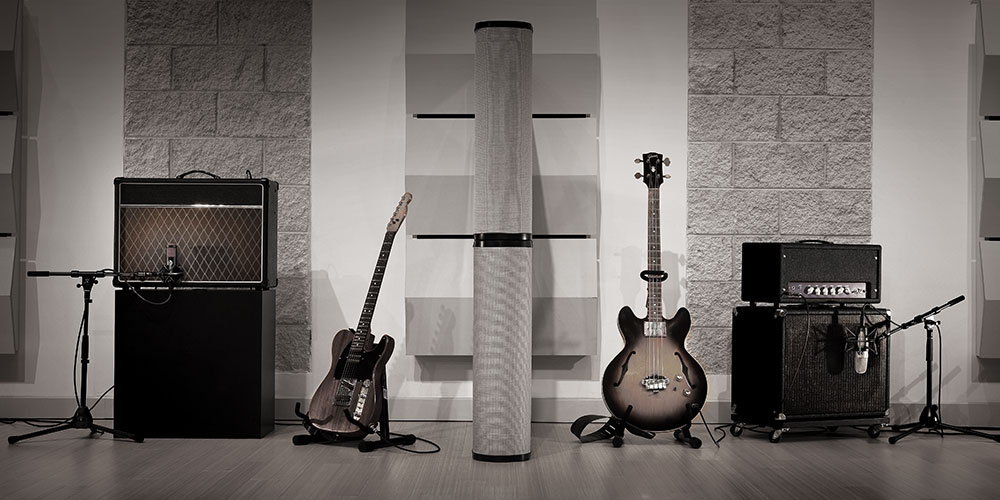3 Alternative Guitar Mics to the SM57