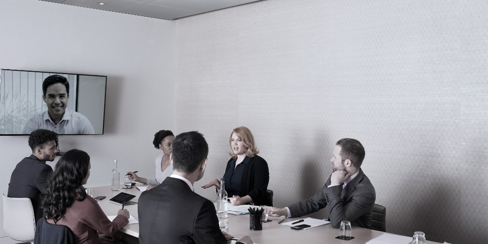 How to Choose the Right Microphones for a Boardroom