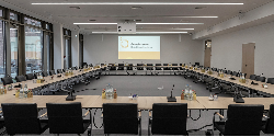 Germany's Federal Joint Committee Chooses Shure Microflex® Complete