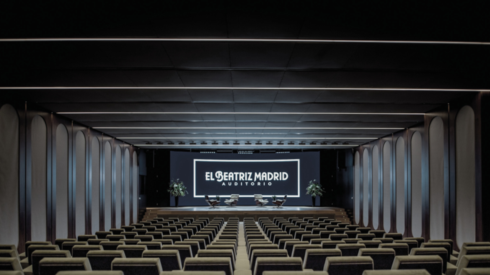 Shure QLX-D and Microflex Complete Digital Conferencing System Upgrades the El Beatriz Madrid Auditorium