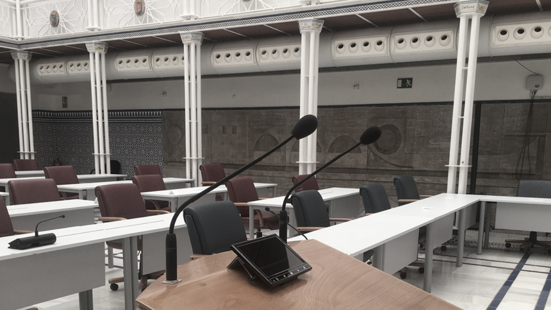 The Regional Assembly of Murcia in Spain Chooses Microflex® Complete Wireless to Support Social Distancing Measures