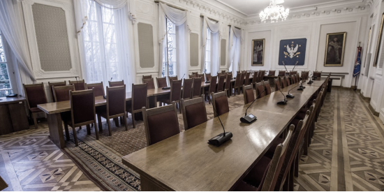 University of Warsaw Chooses Microflex Complete Wireless® for the Historical Senate Hall